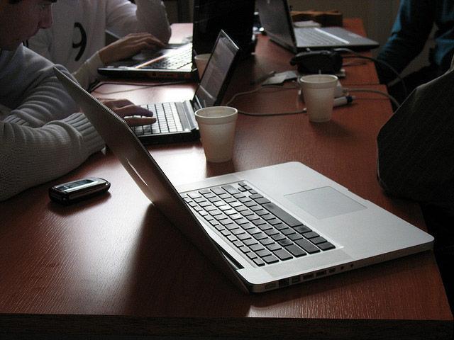 radni sto HubBelgrade   Zajednički radni prostor #cvoriste101