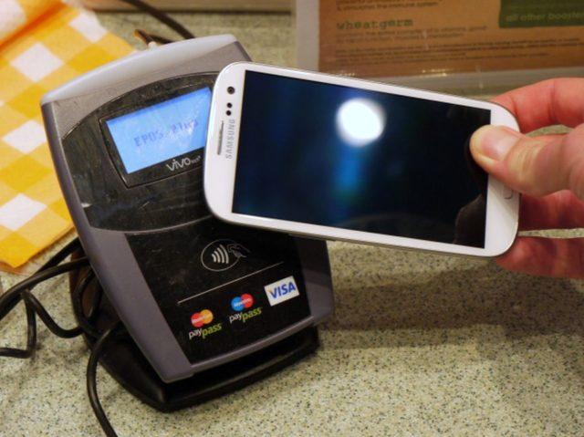 mobile-payment-visa-nfc